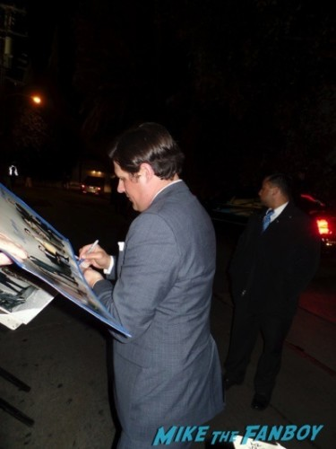 Rich somer signing autographs Mad Men season 7 premiere jon hamm ignores fans