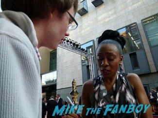 Beverley Knight  signing autographs olivier awards 2014 signing autographs for fans 10