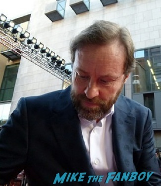 Ardal O'Hanlon signing autographs olivier awards 2014 signing autographs for fans 7