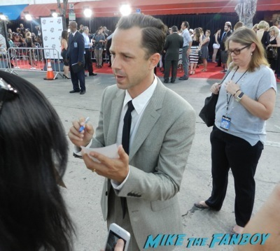 Giovanni Ribisi signing autographs A Million Ways To Die in the west movie premiere signing autographs 21