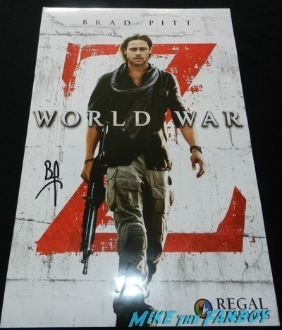 brad pitt signed autograph world war z poster Maleficent los angeles premiere photos brad pitt signing autographs  angelina jolie   43