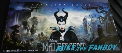 angelina Jolie signed autograph maleficent poster Maleficent los angeles premiere photos brad pitt signing autographs  angelina jolie   47