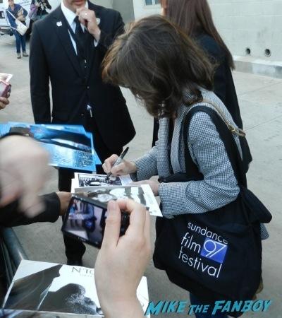 Sally Field signing autographs jimmy kimmel live julia roberts9