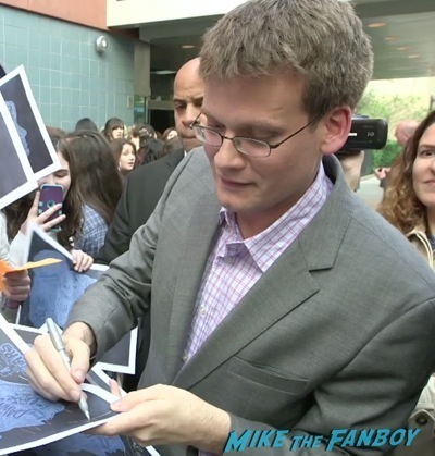 john green signing autographs The Fault in our stars fan screening q and a 6