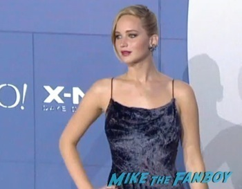 X-Men Days of Future Past New York Premiere jennifer lawrence signing autographs14