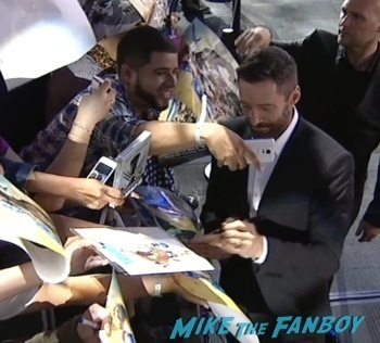 X-Men Days of Future Past New York Premiere jennifer lawrence signing autographs4