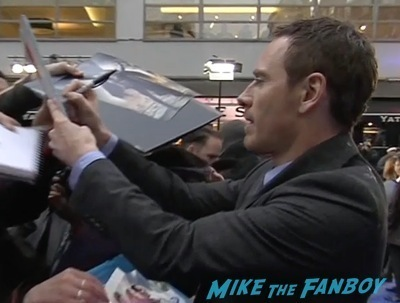 X-Men: Days of Future past uk premiere signing autographs ian mckellen michael fassbender 1