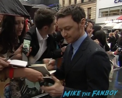 X-Men: Days of Future past uk premiere signing autographs ian mckellen michael fassbender 3