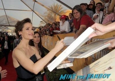 jennifer garner signing autographs alias cast signed autograph rare signing autographs jennifer garner7