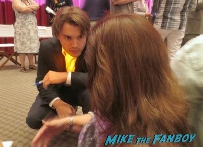 emile hirsch signing autographs bonnie and clyde television academy q and a emile hirsch signing autographs      8