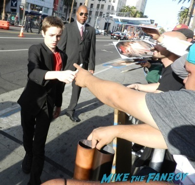 CJ Adams signing autographs Godzilla movie premiere aaron-taylor Johnson elizabeth olsen12