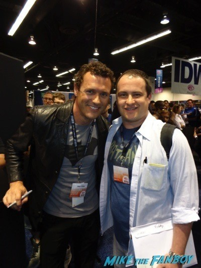 jason O'mara fan photo son of batman autograph signing wonderon 2014 jason O'Mara rare 3