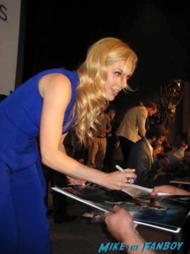 katheryn winnick signing autographs vikings television academy q and a clive standen katheryn winnick 45