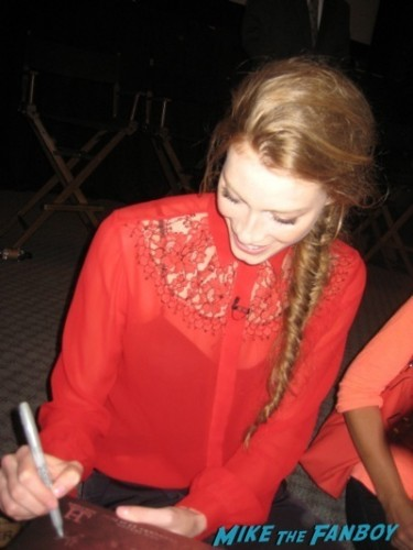 alyssa sutherland signing autographs vikings television academy q and a clive standen katheryn winnick 45