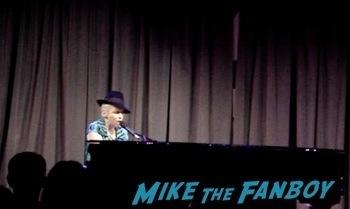 Annie Lennox grammy museum concert q and a meeting fans rare   10