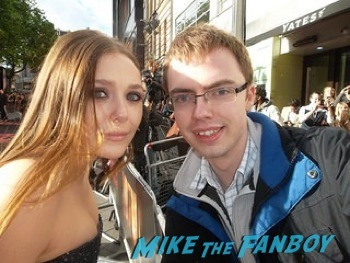 elizabeth olsen fan photo signing autographs Godzilla UK Premiere bryan cranston aaron taylor johnson       6