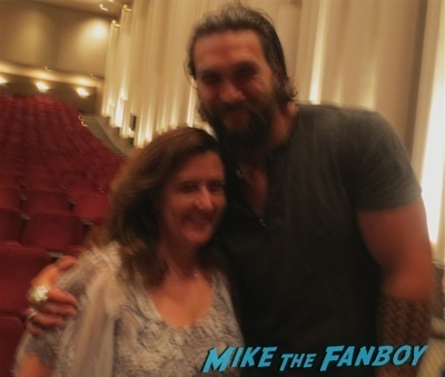 Jason Mamoa fan photo selfie signing autographs 3