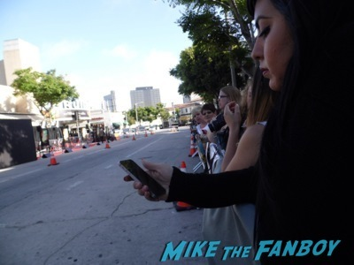Rover Movie Premiere robert PAttinson signing autographs     4