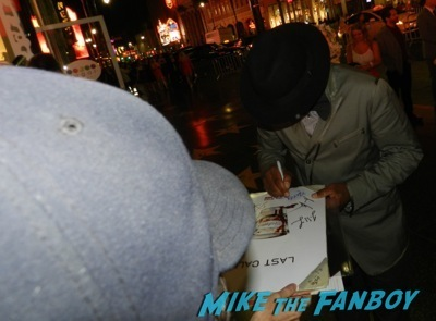 nelsan ellis signing autographs True Blood season 7 premiere anna paquin stephen moyer signing autographs   27