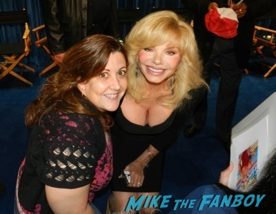 lonie anderson signing autographs now fan photo WKRP In Cincinatti paley center reunion Loni anderson   41