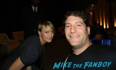robin wright fan photo signing autographs Netflix Women Ruling TV Q And A 30