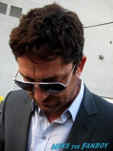 sexy gerard butler signing autographs jimmy kimmel live   1