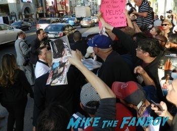 Billy Gardell signing autographs tammy movie premiere disaster Billy Gardell signing autographs    6