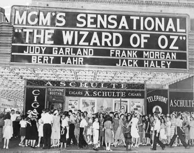 the wizard of oz movie premiere new york 1939 fans marquee    2