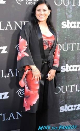 Diana Gabaldon (Author) in a lovely flower ensemble.