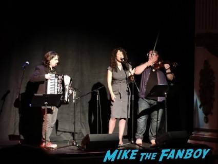 Bear McCreary, Raya Yarbrough and Paul Cartwright perform the Outlander main title theme