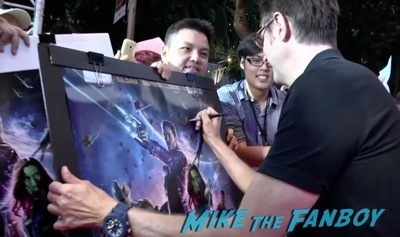 Guardians of the galaxy singapore fan event zoe saldana dave Bautista signing autographs    5