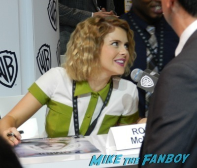 IZombie cast autograph signing SDCC comic con rob thomas Rose McIvers 4