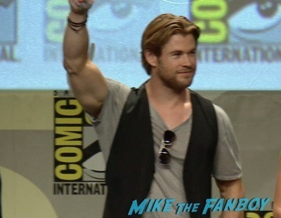 Chris hemsworth flexing The AVengers Age of Ultron hall H panel robert downey Jr.   9