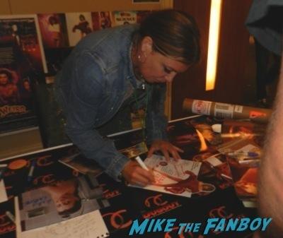 Kelly Lebrock The wonka kids now 2014 hollywood show signing autographs kelly lebrock  33