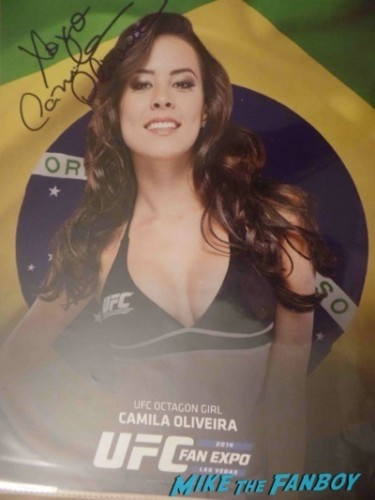 Chrissy Blair  UFC-Fan-Expo-Day-1-autograph-signing-photos-rare