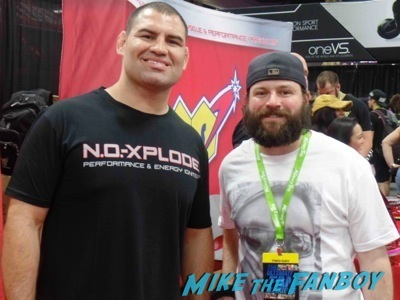 Cain UFC Fan Expo Day 1 autograph signing photos rare     7