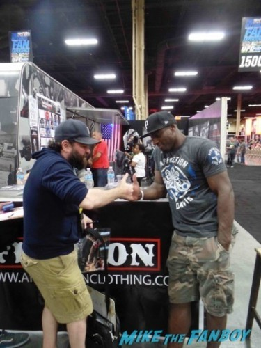 Phil Davis UFC Fan Expo Day 2 signing autographs octagon girls hot    11