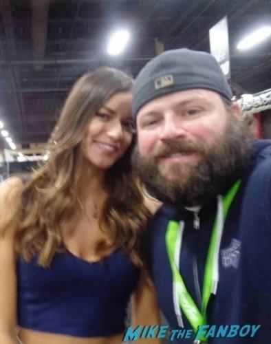Vanessa Hansen UFC Fan Expo Day 2 signing autographs octagon girls hot    11