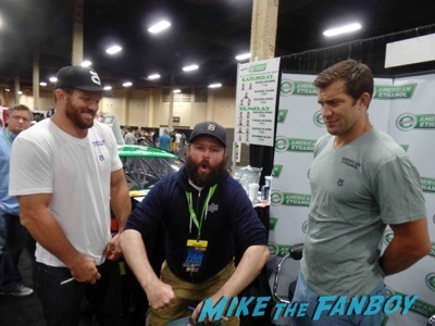 ryan bader UFC Fan Expo Day 2 signing autographs octagon girls hot 11