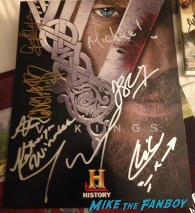travis fimmel fan photo Vikings cast autograph signing sdcc 2014 travis fimmel fan photo   2