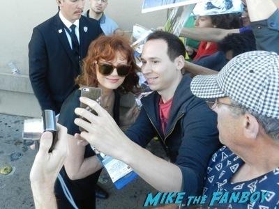 susan sarandon signing autographs jimmy kimmel live 2014 2
