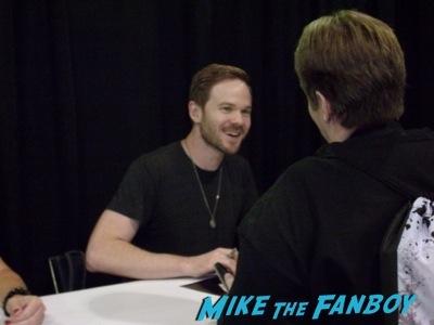 shawn ashmore fan photo Chicago wizard world 2014 sebastian stan fan photo signing autographs rare  11