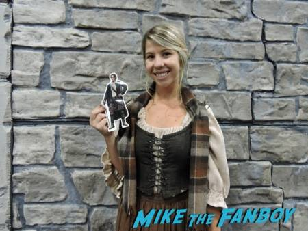 #PocketJaime welcoming the lasses at the Outlander booth