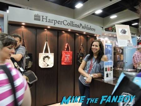 All smiles at the HarperCollins booth!