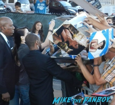 Eva Green signing autographs jimmy kimmel live 2014 penny dreadful  15