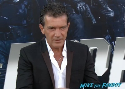 Expendables 3 movie premiere sly stallone signing autographs wesly snipes   18