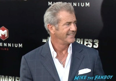 Expendables 3 movie premiere sly stallone signing autographs wesly snipes   27