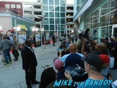 john hawkes signing autographs Life of crime movie premiere red carpet jennifer aniston ignoring fans  9