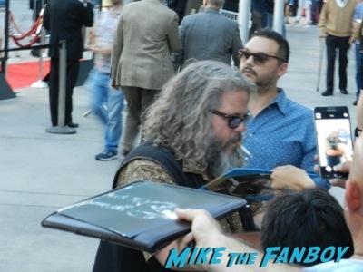 mark boone jr. signing autographs for fans Life of crime movie premiere red carpet jennifer aniston ignoring fans  4