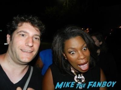 Lorraine Toussaint fan photo selfie signing autographs for fans orange is the new black  2